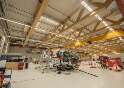 Werkhalle mit Bürotrakt Kopter Group, Mollis